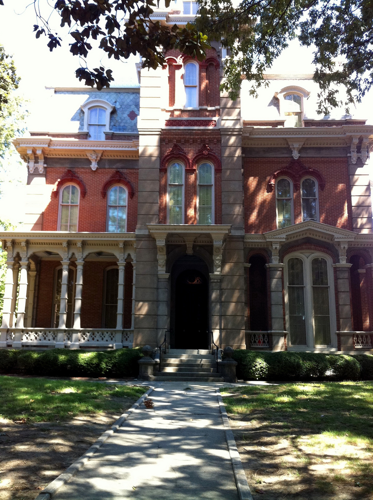 Woodruff-Fontaine House Memphis Tennessee ghosts haunted