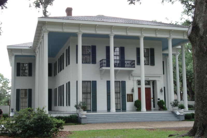 haunted Bragg-Mitchell Mansion Mobile Alabama ghosts