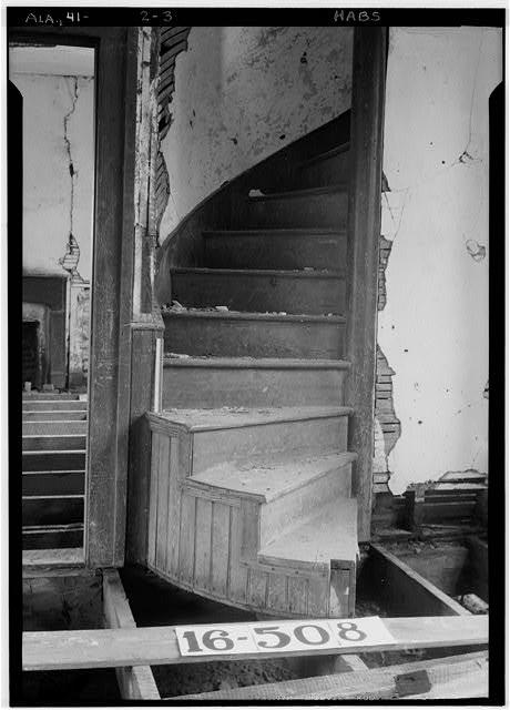 staircase Spring Villa plantation Opelika Alabama haunted ghosts