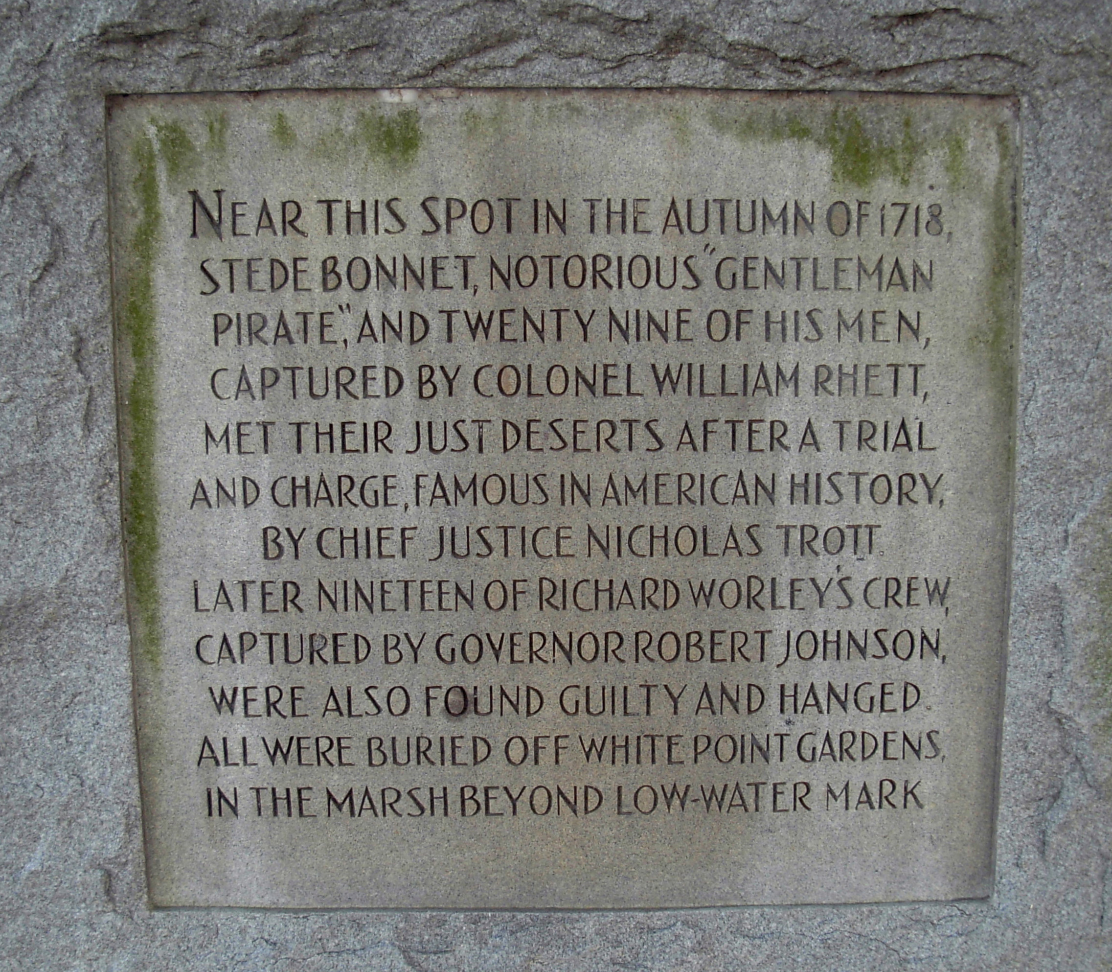 haunted White Point Gardens Battery Charleston South Carolina pirate executions Stede Bonnet 1718 Southern ghosts