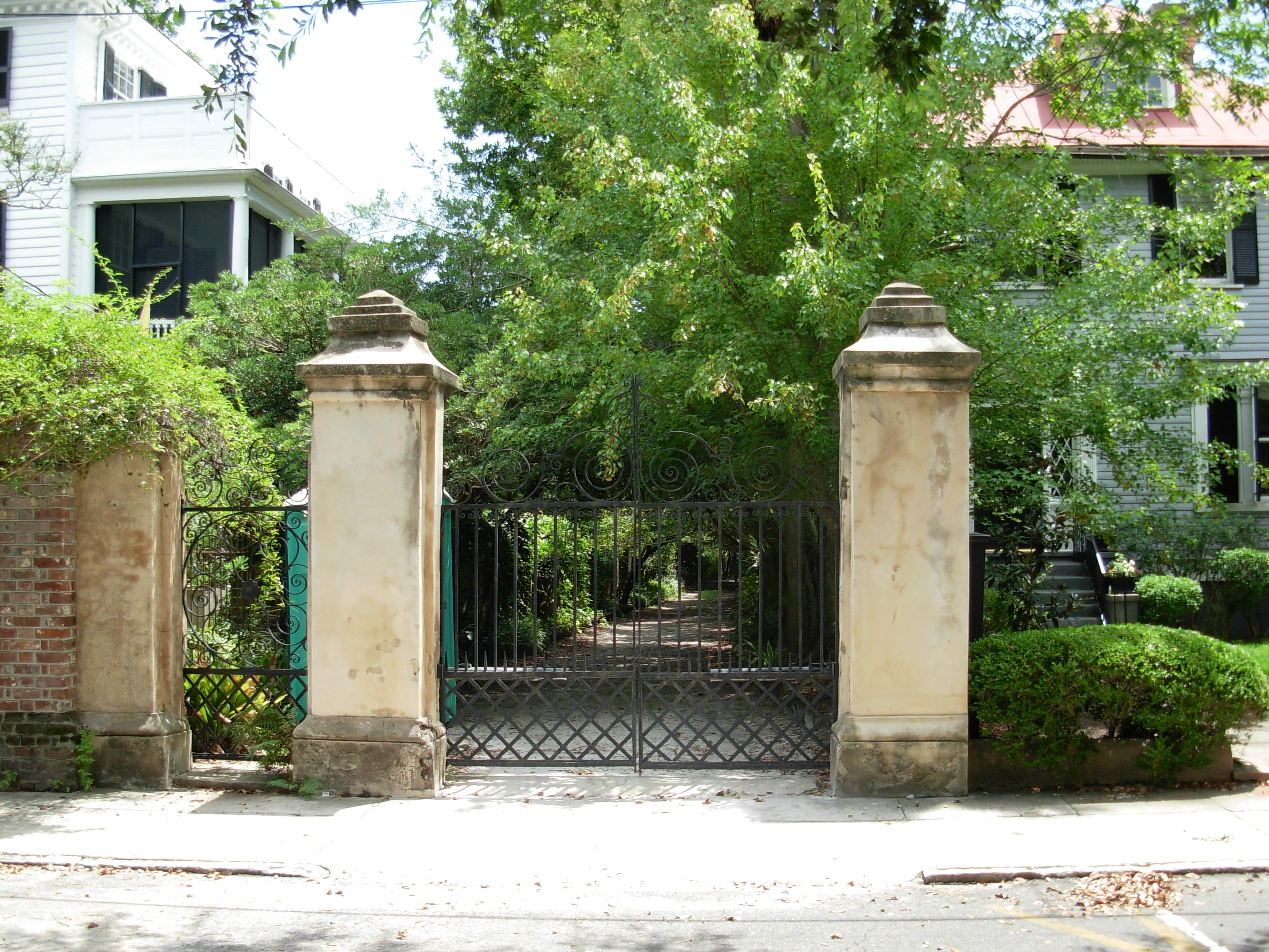 Simmons Gateposts Tradd Street Charleston SC ghosts haunted