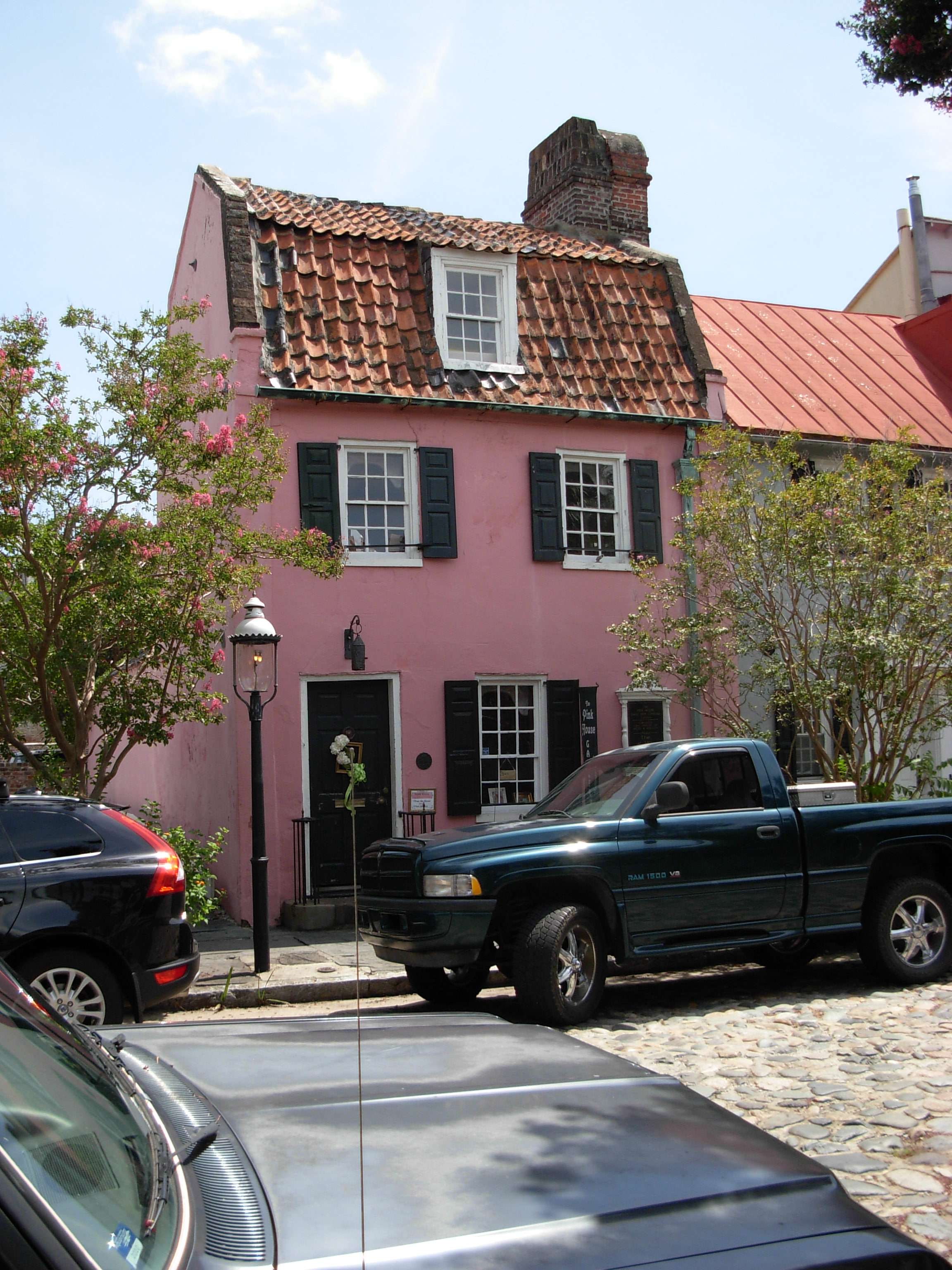 Pink House Charleston SC ghosts haunted