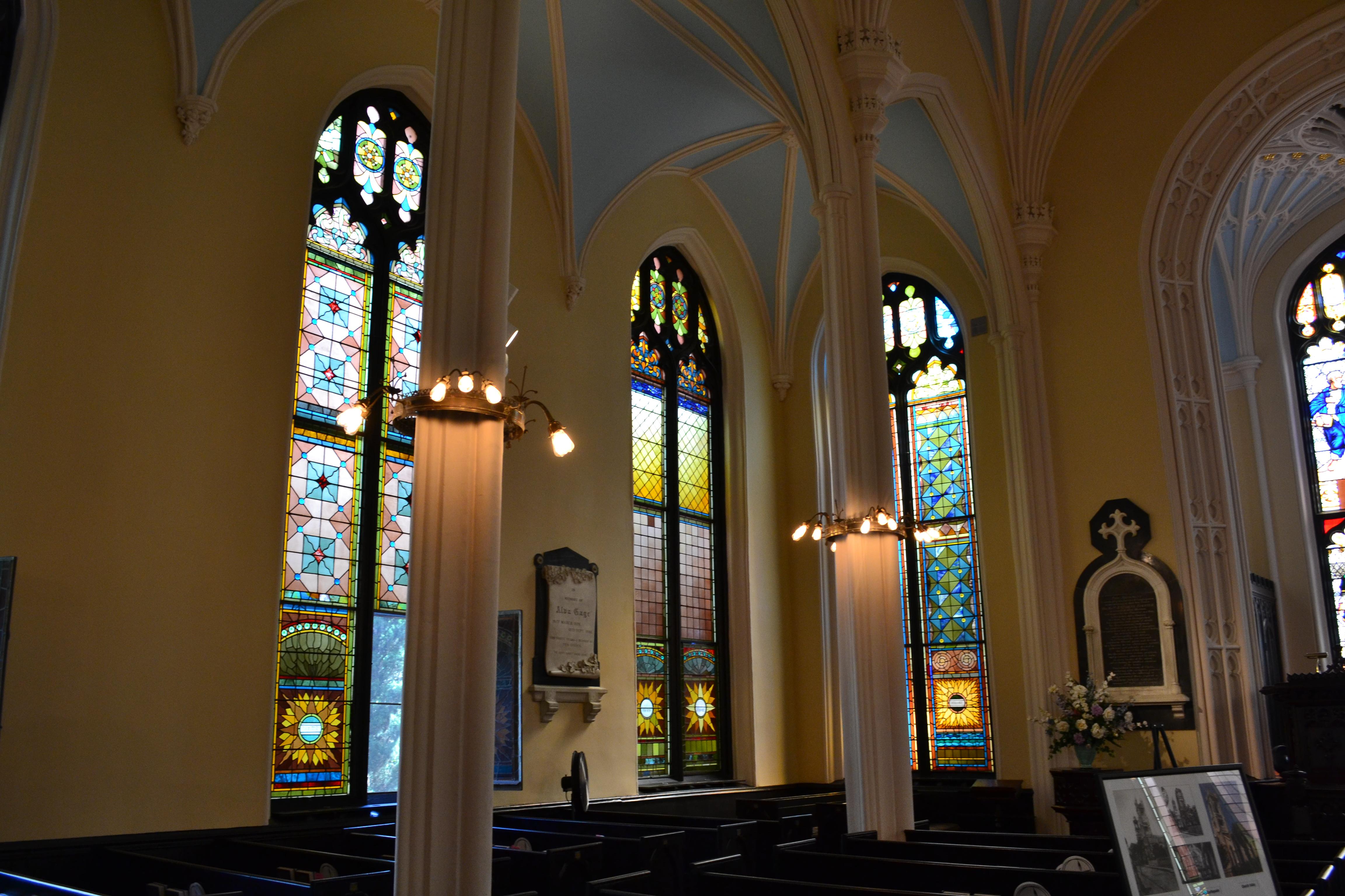 interior of the Unitarian Church Charleston SC ghosts haunted