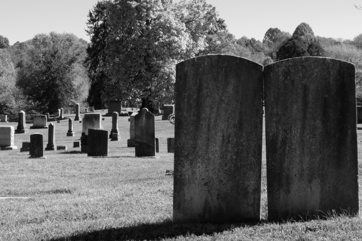 haunted East Hill Cemetery Bristol Tennessee Virginia state line ghosts